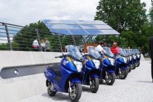 stacja ladowania panele sloneczne ekologia 300x200 Dystrybutor elektryczności zamiast benzyny?