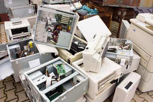 Zużyty sprzęt komputerowy (Fot. UlicaEkologiczna.pl)
