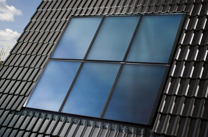 solary na dachu domu